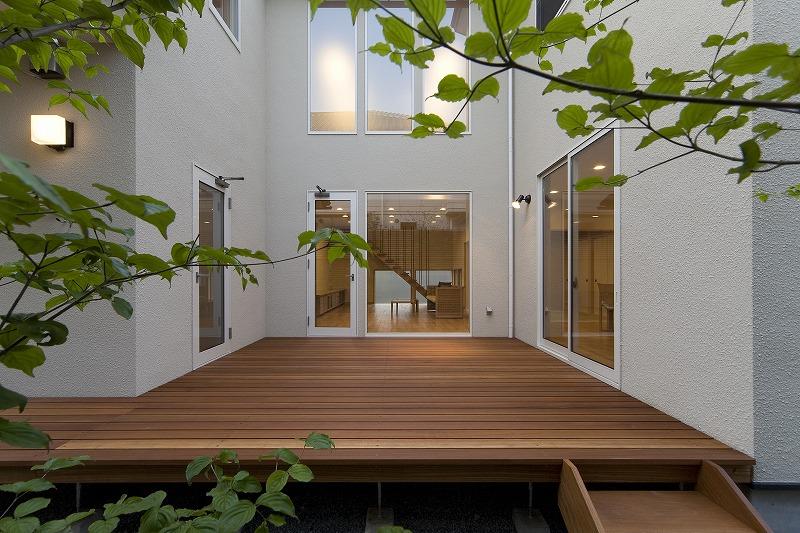 ALLの高級注文住宅「ウッドデッキを囲む家」11