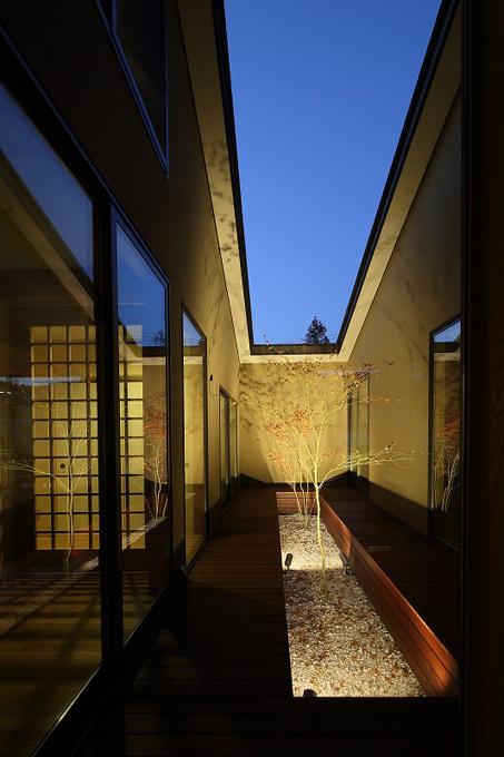 ALLの高級注文住宅「石釜のある平屋の家」3