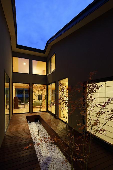 ALLの高級注文住宅「石釜のある平屋の家」4