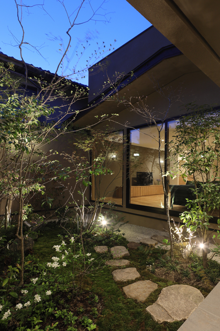 ALLの高級注文住宅「紫竹のコートハウス」11