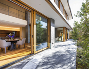 ALLの高級注文住宅-石と木の家