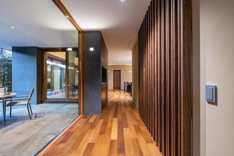 ALLの高級注文住宅「石と木の家」11