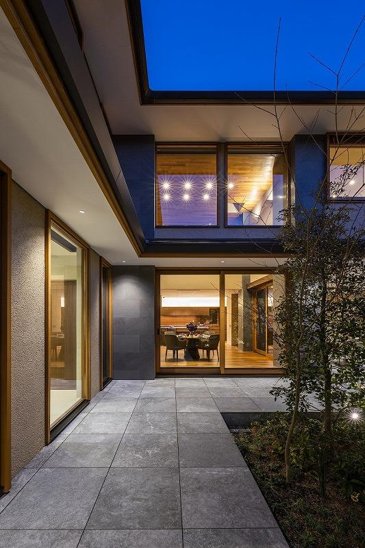 ALLの高級注文住宅「石と木の家」16