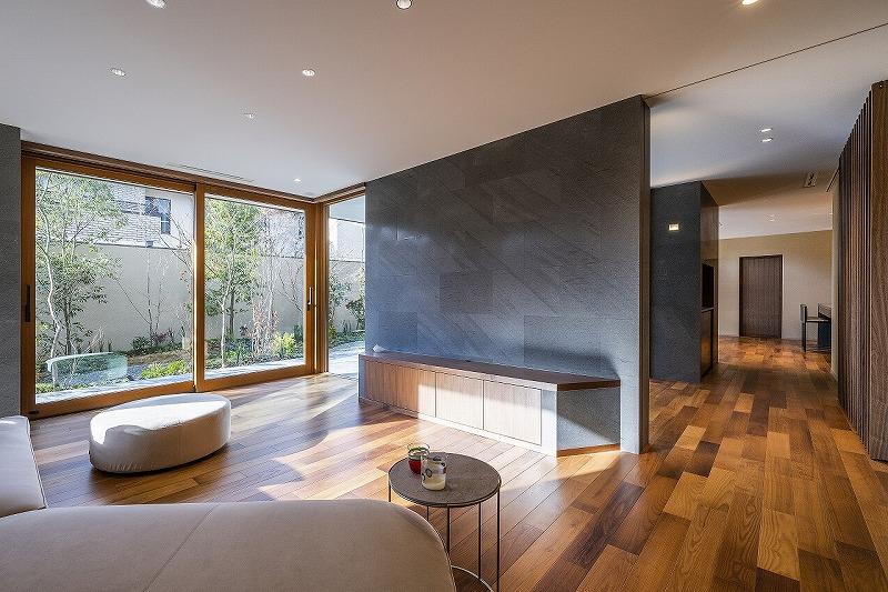 ALLの高級注文住宅「石と木の家」3