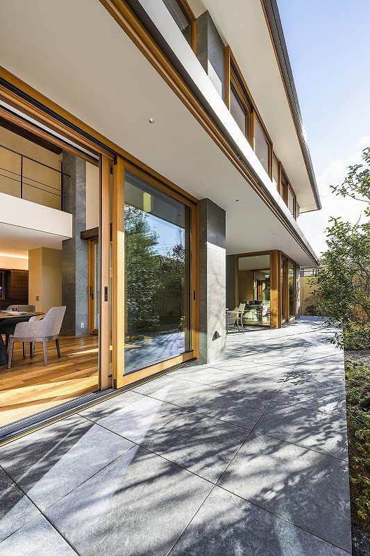 ALLの高級注文住宅「石と木の家」5