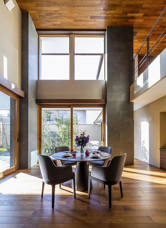 ALLの高級注文住宅「石と木の家」7