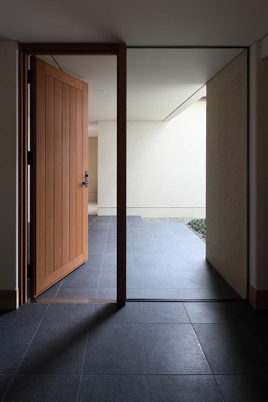完全自由設計施工 ALLの高級注文住宅 CASE25 石貼りのモダン住宅 詳細2